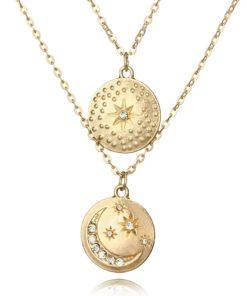 collier avec medailles