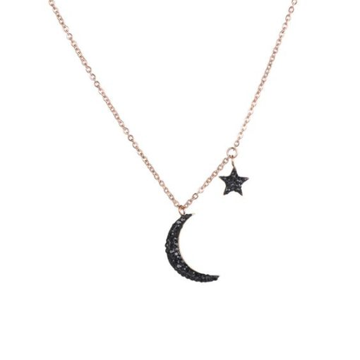 collier avec pendentif lune