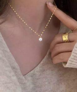 collier pendentif zircon